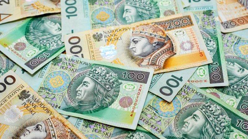 Заробітна плата у Польщі