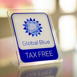tax free shopping. Табличка Global Blue