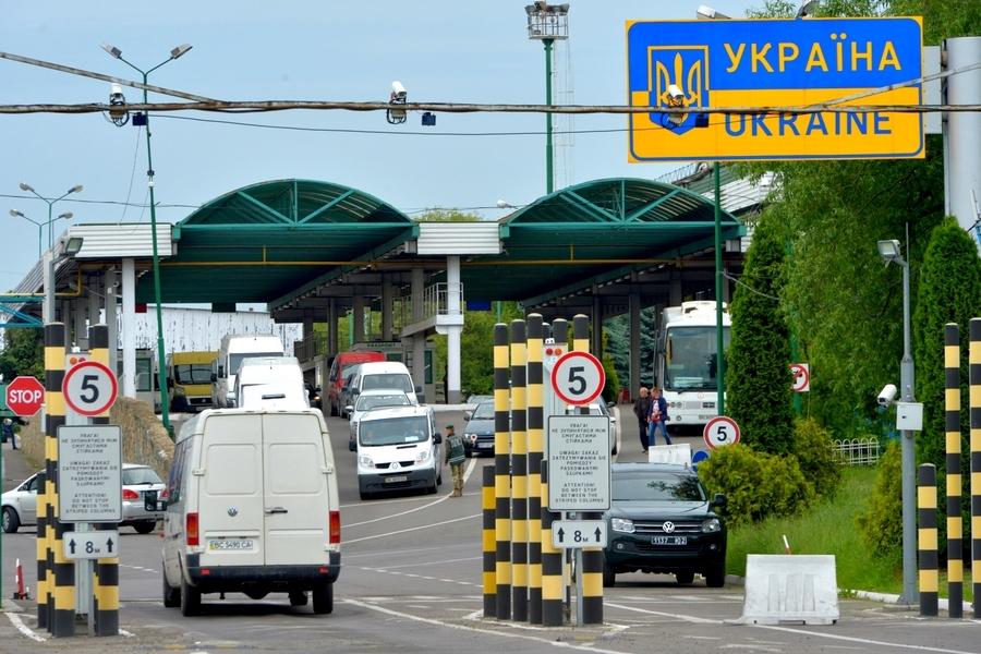 Основні проблеми пунктів пропуску на українсько-польському кордоні - Закупи  в Польщі