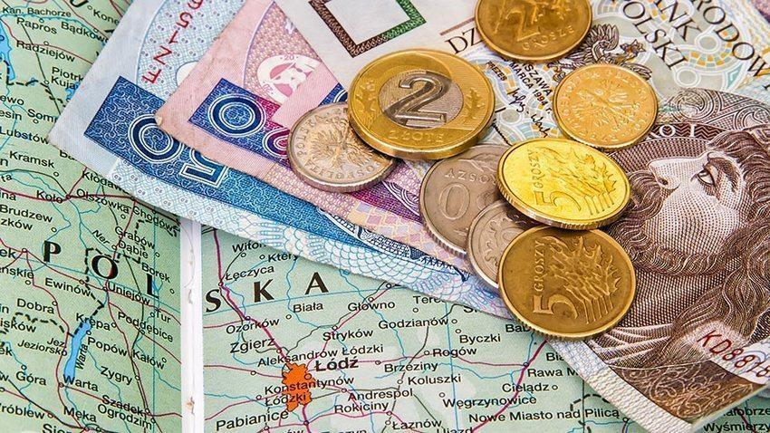 d03a3010067bf2 Заробітна плата у Польщі. Скільки можуть заробити українці в 2017 році